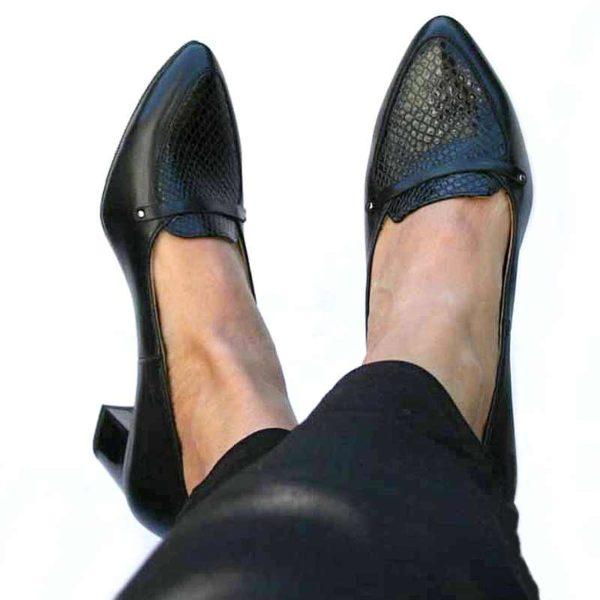 Foto elegante Damenschuhe mit Schlangenmuster an der Spitze_Modell 511