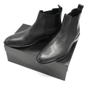 Foto von 2 Chelsea Herren schwarz auf schwarzem Schuhkarton_Modell 300