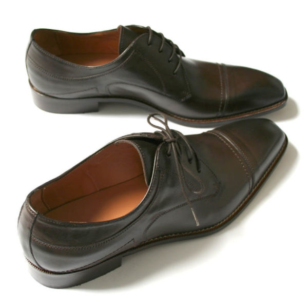 Photo men`s business shoes-Sophisticated design-dark brown mocha tone-2 shoes from above behind