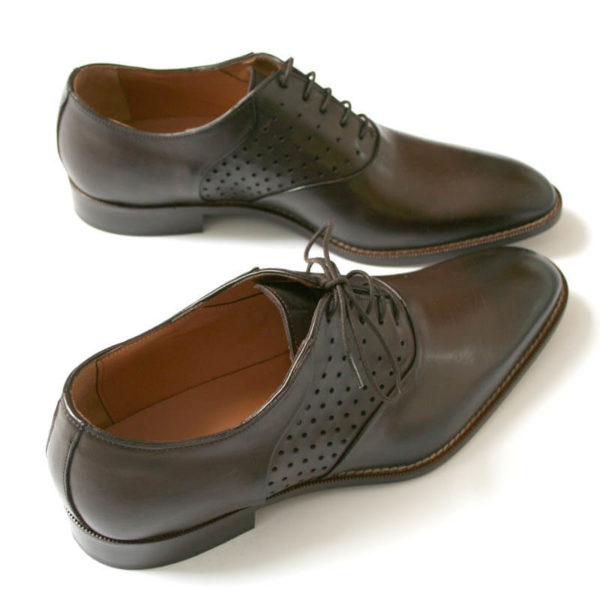 Men`s business shoes-Discreet fashionable-Oxford_with hole pattern_mocha brown_2 shoes from above behind