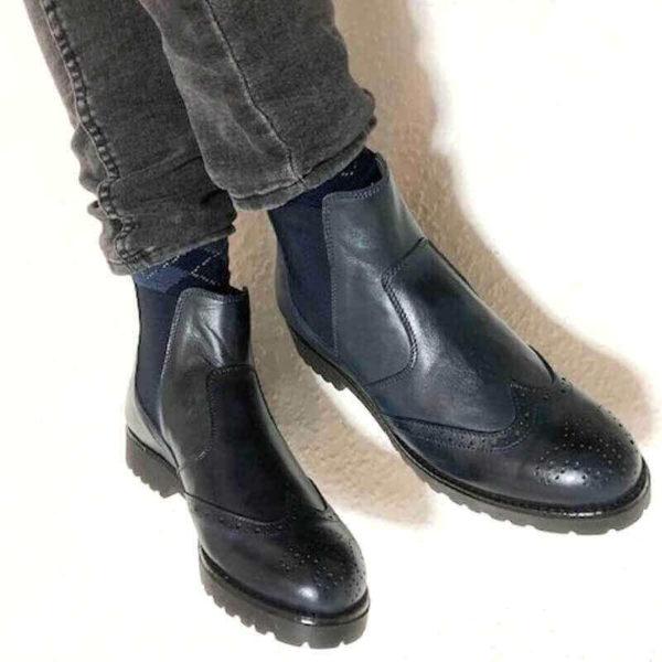 Foto Italienische Stiefeletten blau mit dunkelgrauen Hosenbeinen_Modell 650